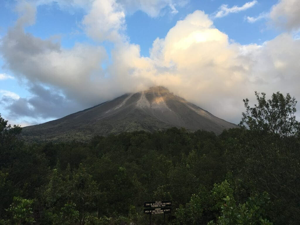 Arenal Volcano, Costa Rica, pyroclastic flow,