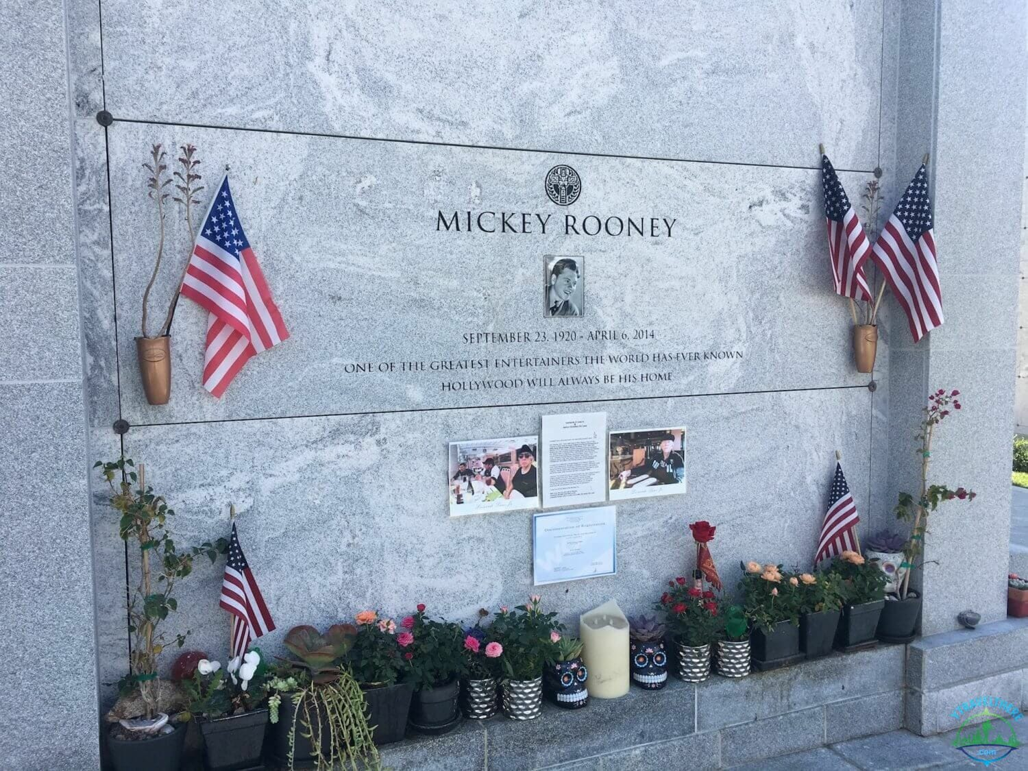 mickey Rooney final resting place, hollywood forever cemetery